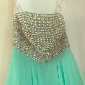 Sherri Hill sz 6 embellished bodice gown